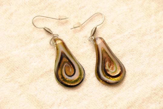 Ohrhänger aus Muranoglas - grün/schwarz - Tränen Form