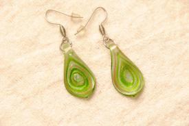 Glas Ohrhänger im Murano-Stil - grün - Glasanhänger Tropfen Form