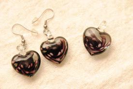 Kleines Herz Glasschmuck Set - lila - Anhänger und Ohrhänger