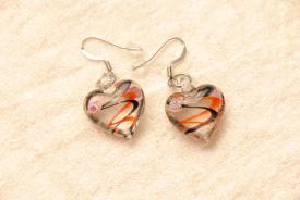 Ohrringe aus Glas im Murano-Stil - rot/schwarz - Ohrhänger Herz Form