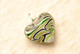 Schmuck Anhänger aus Muranoglas - grün - Herzform