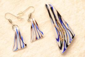 Schmuck Set - blau/weiss - Anhänger und Ohrhänger im Murano-Stil