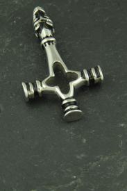 Umgedrehtes Kreuz mit Wolfskopf aus Edelstahl